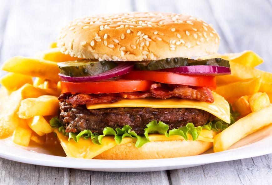 Inca o dovada ca produsele junk food sunt ca un drog. Uite ce fac din creierul tau