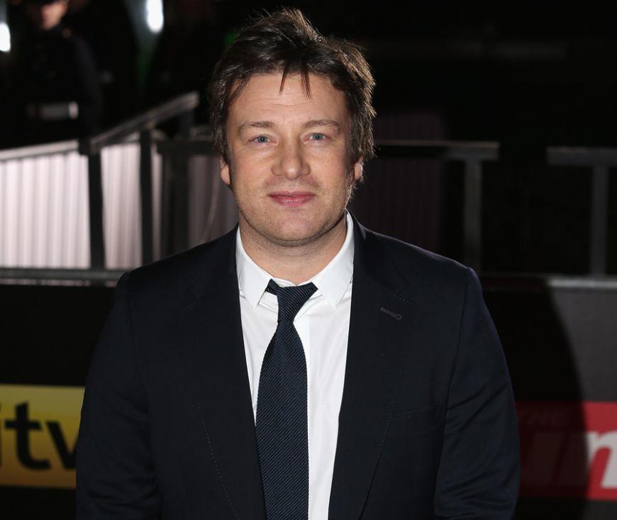 Jamie Oliver, bucatar pe stadion. A semnat un contract pe cinci ani cu Manchester City