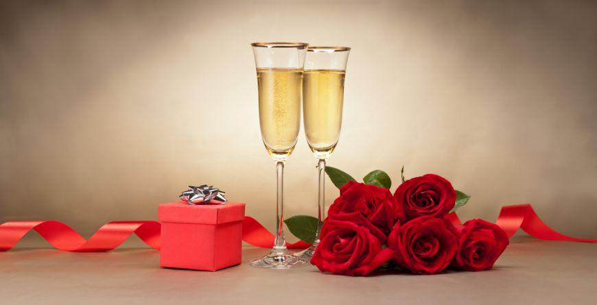 In cinstea romantismului. Stinge setea cu 5 cocktailuri seducatoare