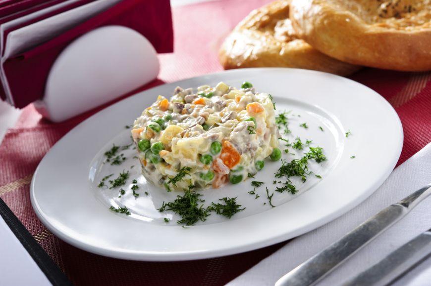 In jurul lumii in cautarea experientelor culinare - Salata Olivier, Rusia