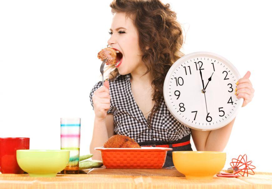 4 motive sa mananci cina mai devreme
