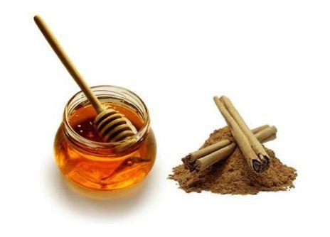 Mierea și scorțișoara, ingredientele celui mai puternic remediu anti-răceală