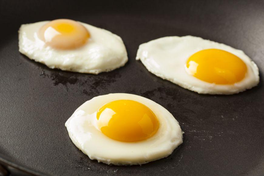 3 retete de oua coapte pentru mese savuroase