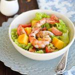 Salata cu creveti si mango