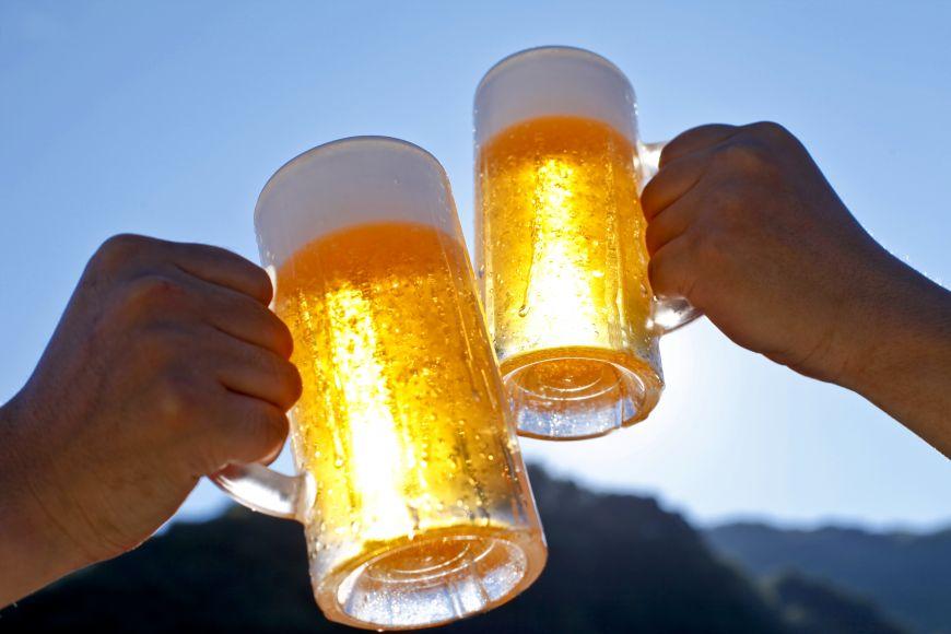 3 pericole care se ascund in halba de bere