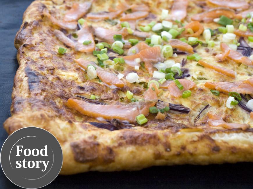 Testat de Foodstory: Tarta piperata cu ceapa si somon