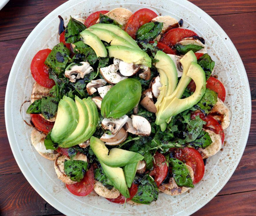 10 salate hranitoare pentru cina