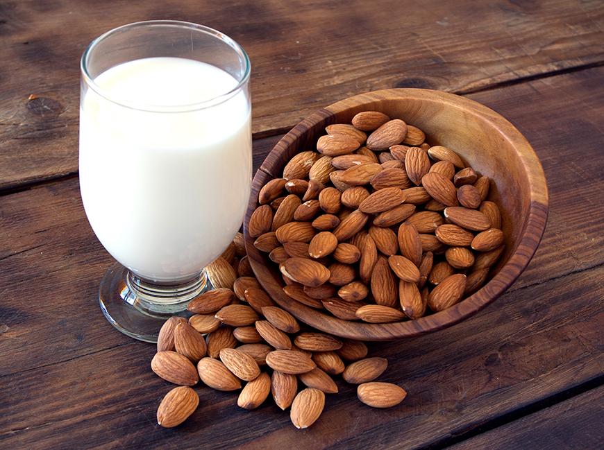 Cum sa faci lapte de migdale acasa