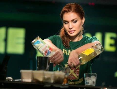 Behind the Bar: Andrada Apostolescu, o femeie in lumea barbatilor