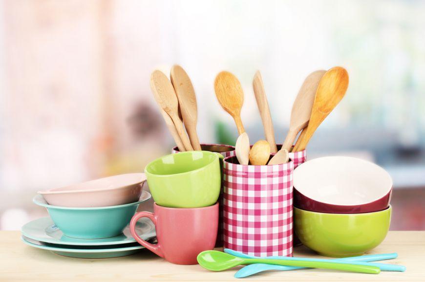 Dacă preferi să mergi cu cortul sau să închiriezi o locație și să îți gătești tu în vacanță, iată lista de lucruri esențiale