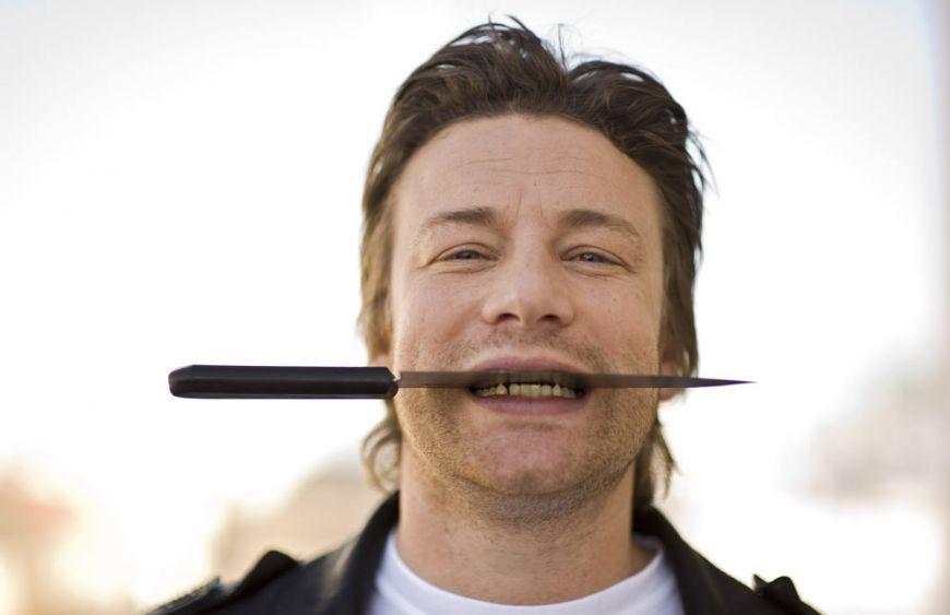 """Jamie Oliver: """"Oamenii saraci isi cumpara televizoare scumpe, dar mananca junk food"""""""