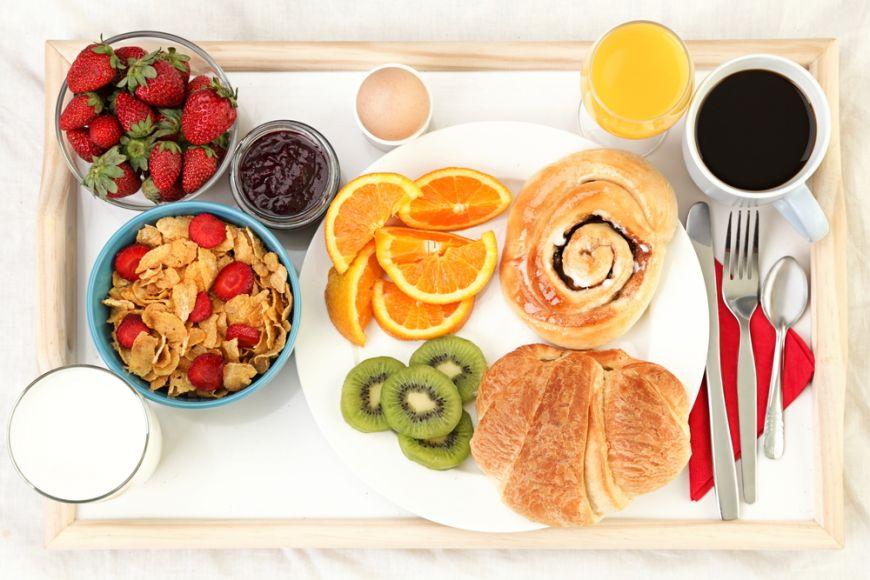 Diminetile pot fi satioase. 3 retete rapide pentru micul dejun