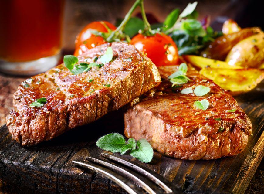 Vrei să gătești o friptură ca la restaurant? Îți dăm câteva trucuri simple