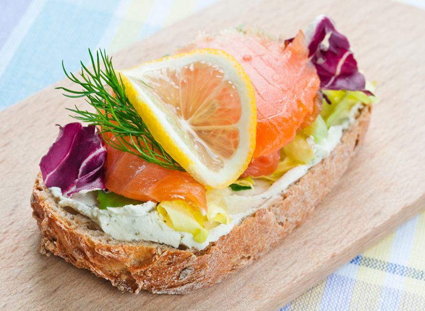 5 idei simple de mic dejun pentru cei grabiti