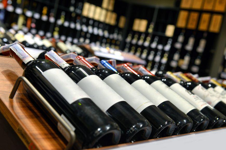 Cele mai bune vinuri romanesti pe care le gasesti pe rafturile magazinelor. Recomandari de la experti internationali