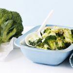 Broccoli la cuptor cu sos alb