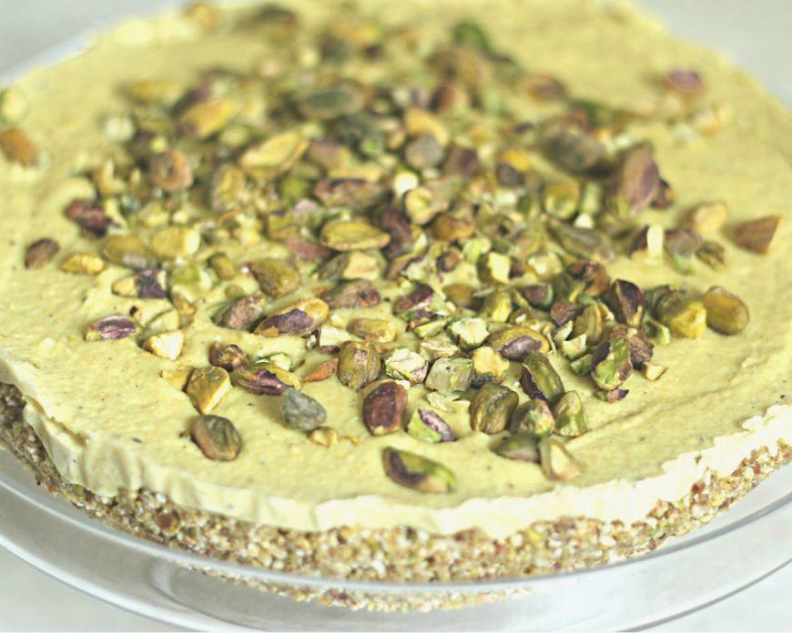 Cheesecake raw vegan cu fistic pentru diabetici