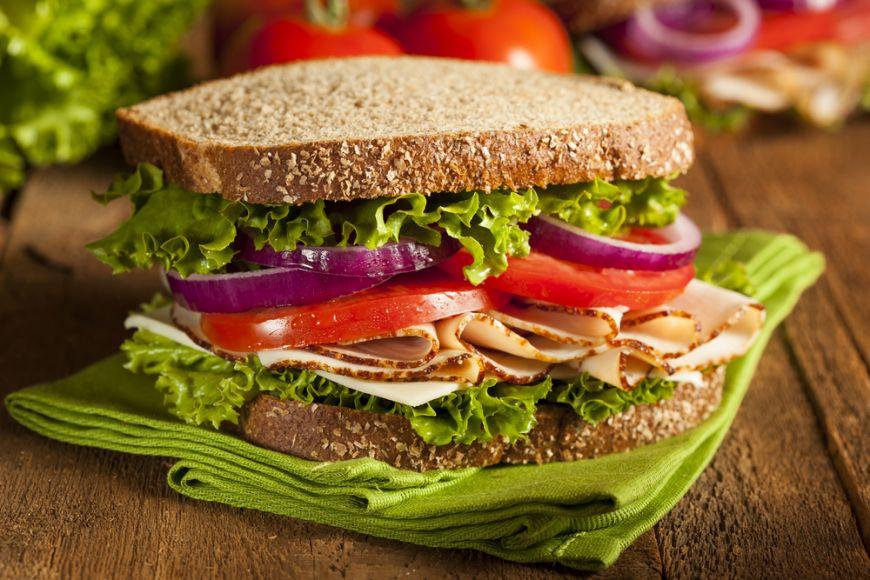 5 retete de sandvisuri gustoase pentru dimineti de iarna