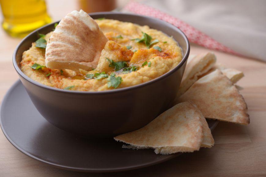 5 idei de topping pentru humus