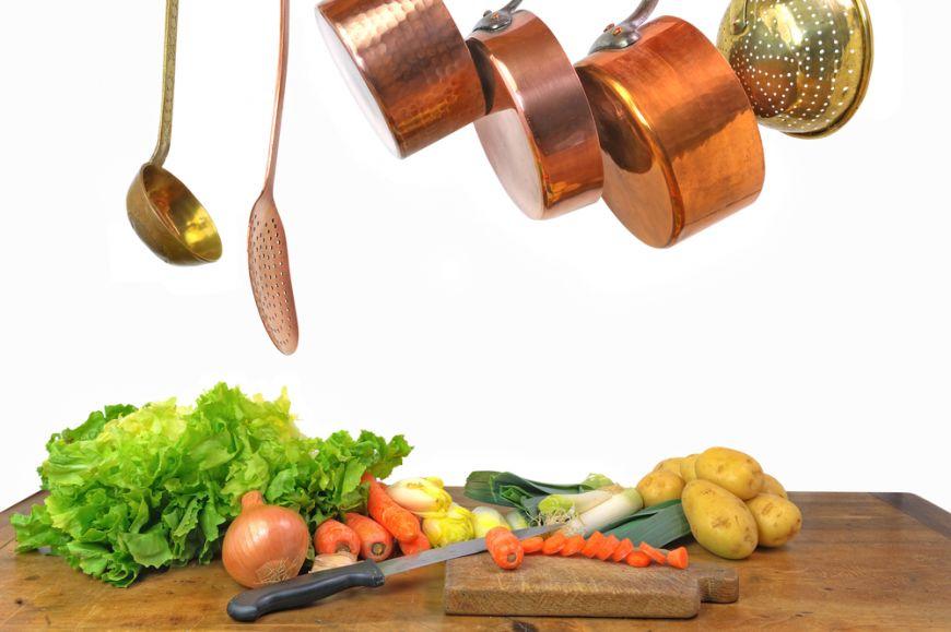 E o rețetă de bază și toți chefii vorbesc despre stock de legume! Cum prepari supa concentrată de legume și eviți cubulețele din comerț?