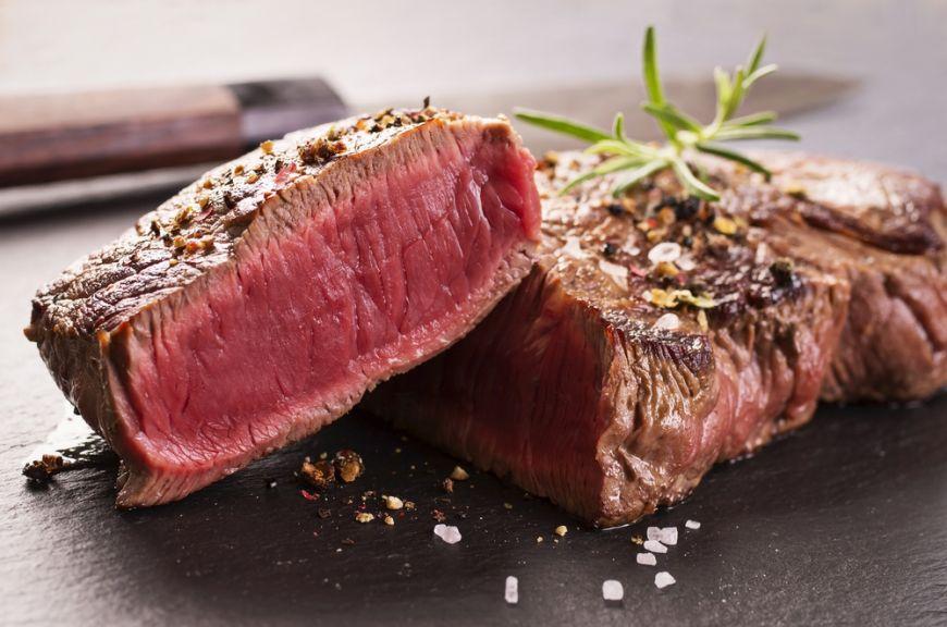 Cum e mai bine să gătești carnea? Care sunt tehnicile cele mai potrivite?
