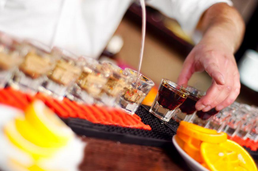 5 lucruri pe care sa nu le faci intr-un bar