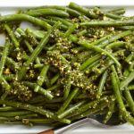 Salata de fasole verde cu sos de patrunjel