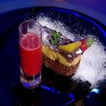 Reteta Andrei Catalin Gherman: Tort raw vegan de ciocolata si portocale