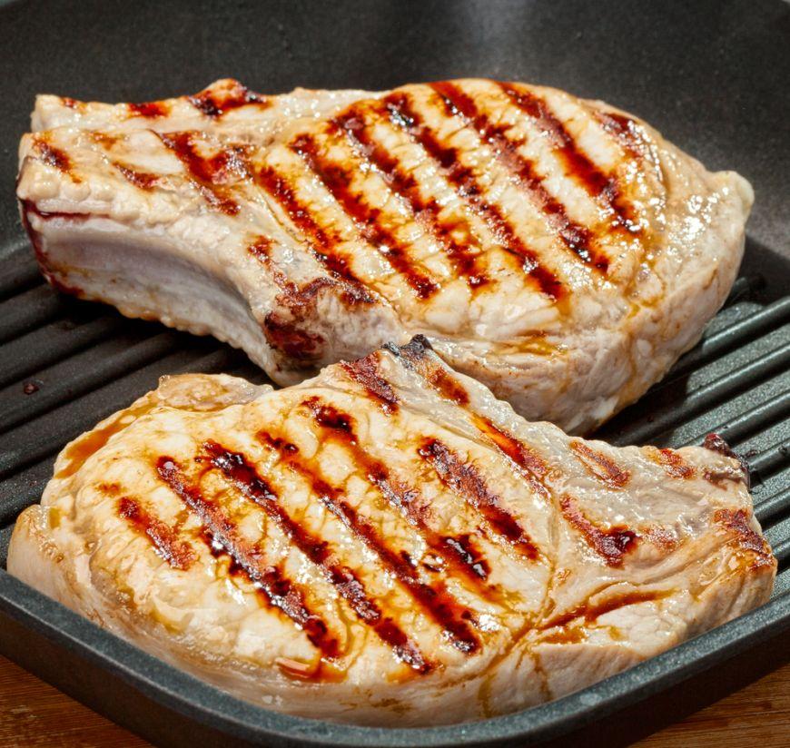 """Cum gătești perfect cotletele de porc? Îți spunem cele mai """"gustoase"""" secrete"""