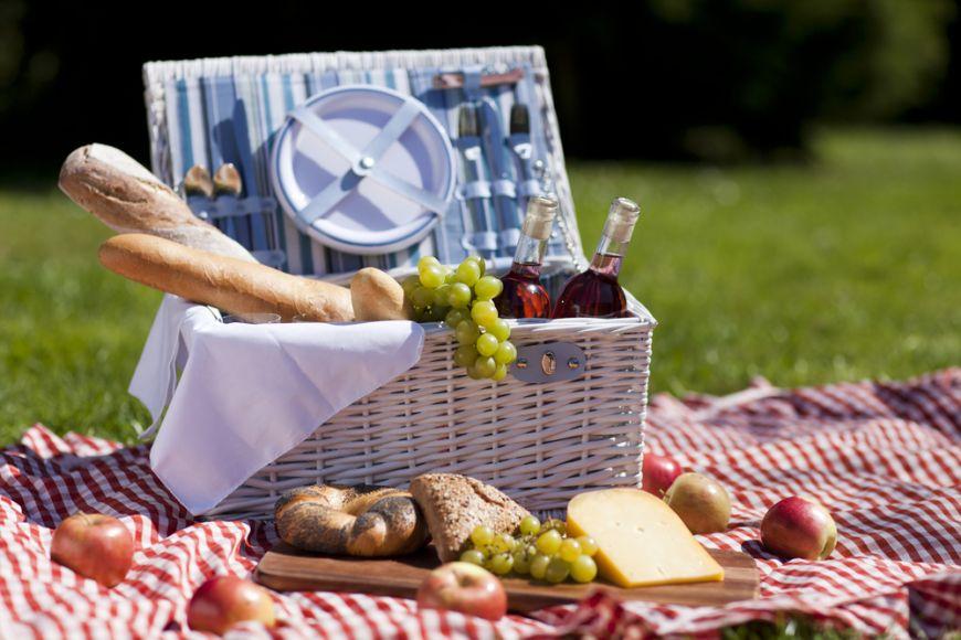 Retete pentru weekend. 5 bunatati de luat la picnic
