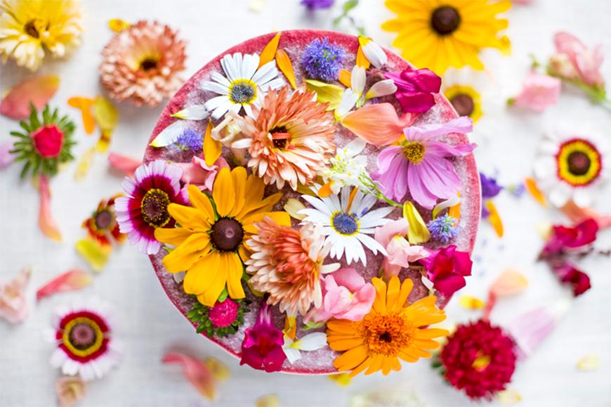 Gateste cu flori. 10 idei superbe de incercat