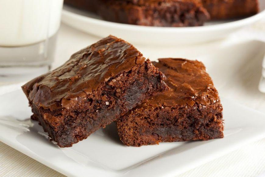 Cum sa faci brownies delicioase din doua ingrediente