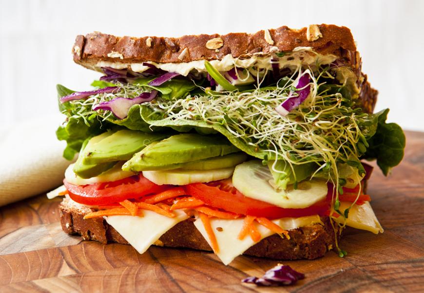 Cum să mănănci sandvișuri sănătoase? Iată zece ingrediente care le transformă