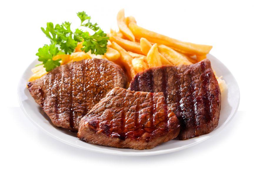 De ce nu e bine sa combini carnea cu cartofii. Care este avertismentul nutritionistilor