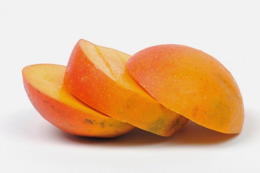 Cum sa cureti un mango in mai putin de 10 secunde VIDEO