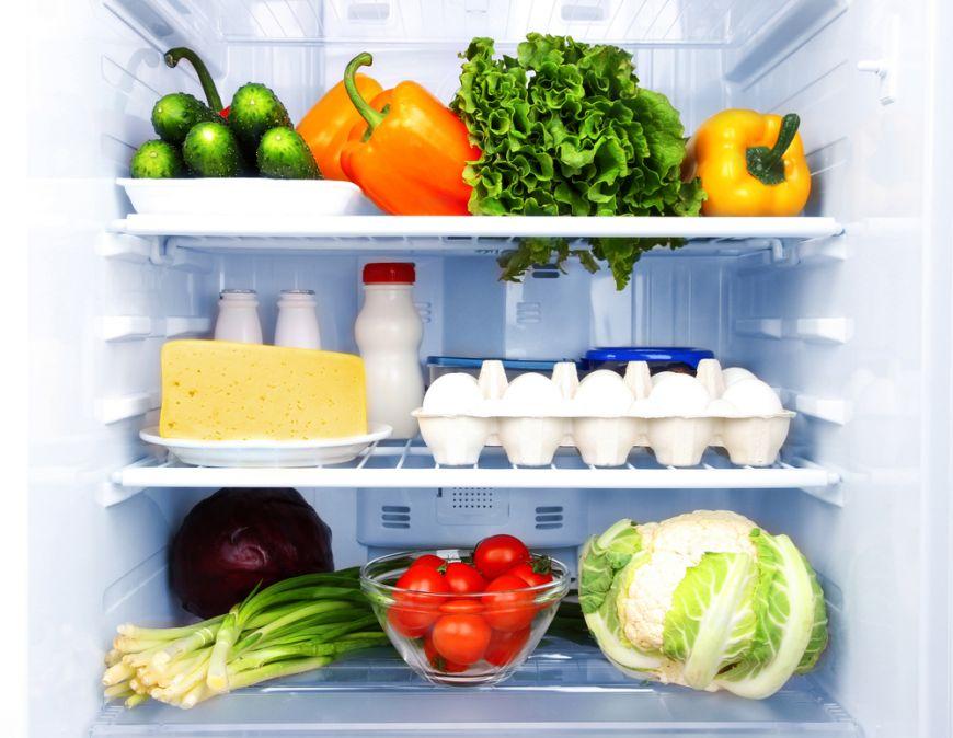 Îți arătăm cea ma eficientă și potrivită metodă de a-ți organiza frigiderul! Ce reguli trebuie să respecți?