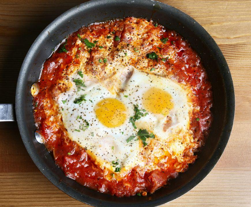 Cum sa gatesti mai multe oua in acelasi timp si sa obtii un mic dejun delicios