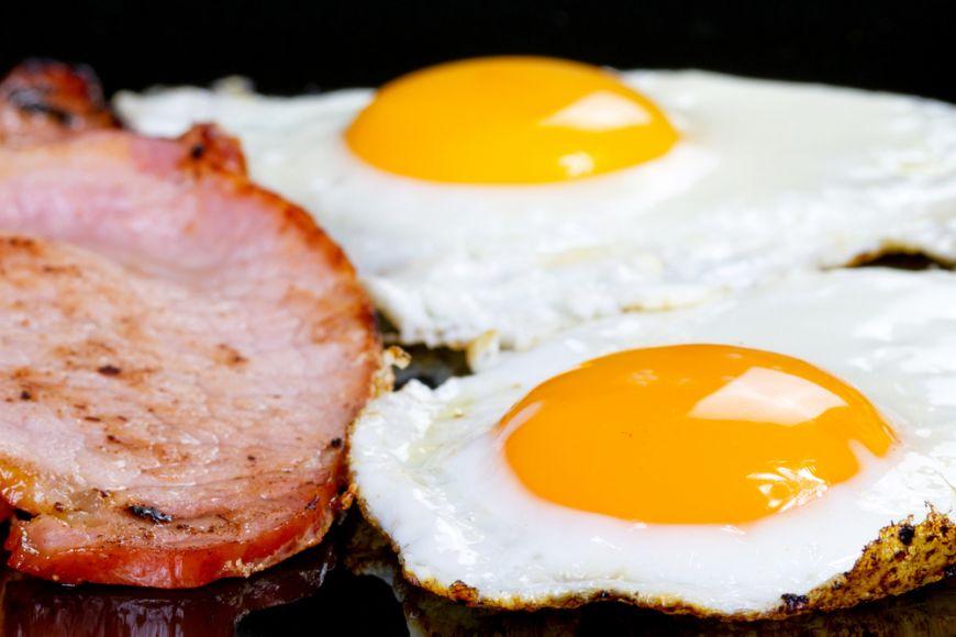 3 semne ca mananci prea multe proteine