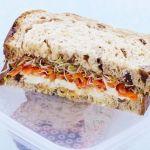 Sandvis cu morcovi si miere