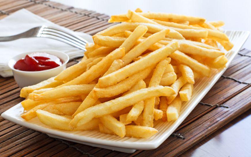 Cartofi prajiti ca la fast-food, varianta sanatoasa de gatit acasa