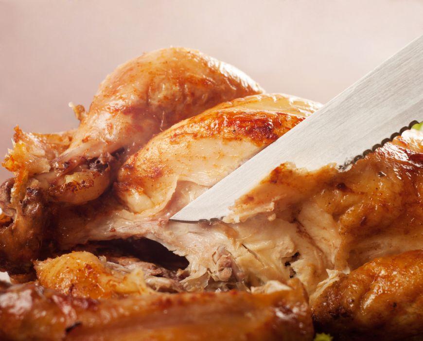 Cum îți iese o friptură perfectă la cuptor și care sunt ustensilele de care ai nevoie pentru asta?