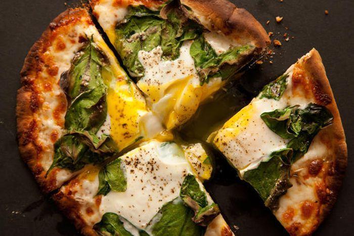 Mic dejun de weekend: pizza gata in 15 minute
