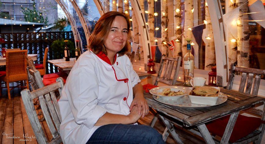Chef Rachel Sargent de la London Street Bistro te invata sa faci crumble cu mere si caramel