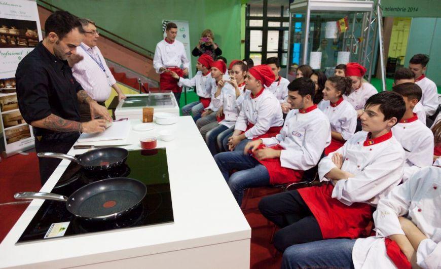 Atelier de Formare Profesionala pentru bucatarii de maine: liceenii din Bucuresti au invatat sa gateasca de la chefi experimentati