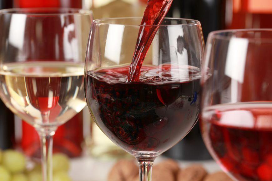 Ceri gheata pentru vinul rosu? De ce sa nu mai faci aceasta greseala