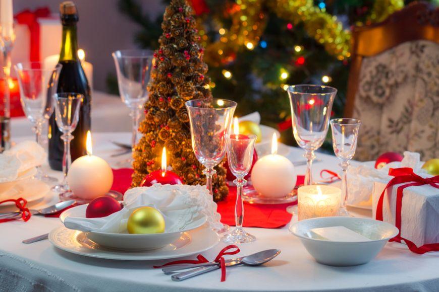 Cum sa-ti decorezi masa de Craciun: 4 sfaturi pentru o cina ca in povesti