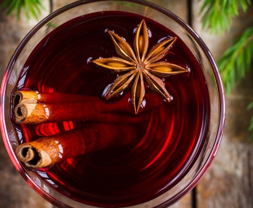 Jamie Oliver te invata sa faci cea mai buna reteta de vin fiert