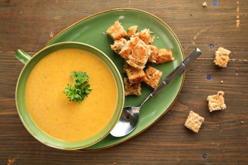 Mici secrete mari în bucătărie! Cum să faci o supă cremă indiferent ce legume ai la îndemână