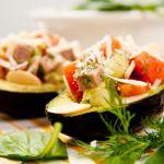 5 umpluturi delicioase pentru o jumatate de avocado