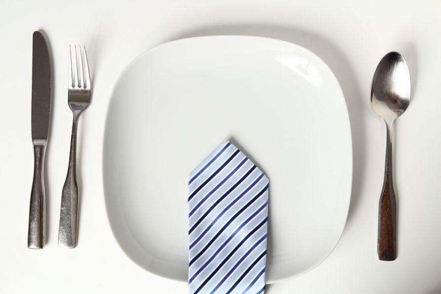 Bune maniere la masa. Reguli de eticheta pe care sa le respecti la un pranz de afaceri